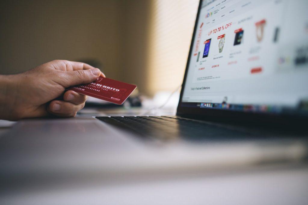 e-ticaret sitesi kurarak para kazanma